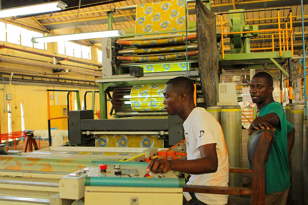 Man textile full_employment